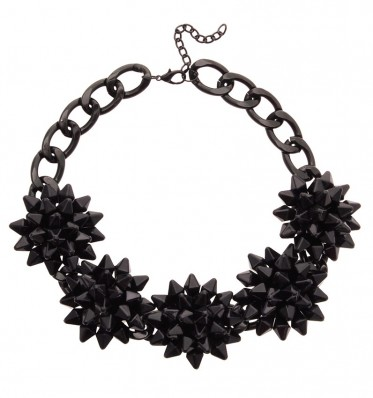 Black Cluster Flowers Necklace